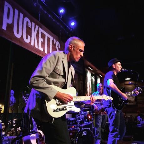 Chas rocks Puckett's